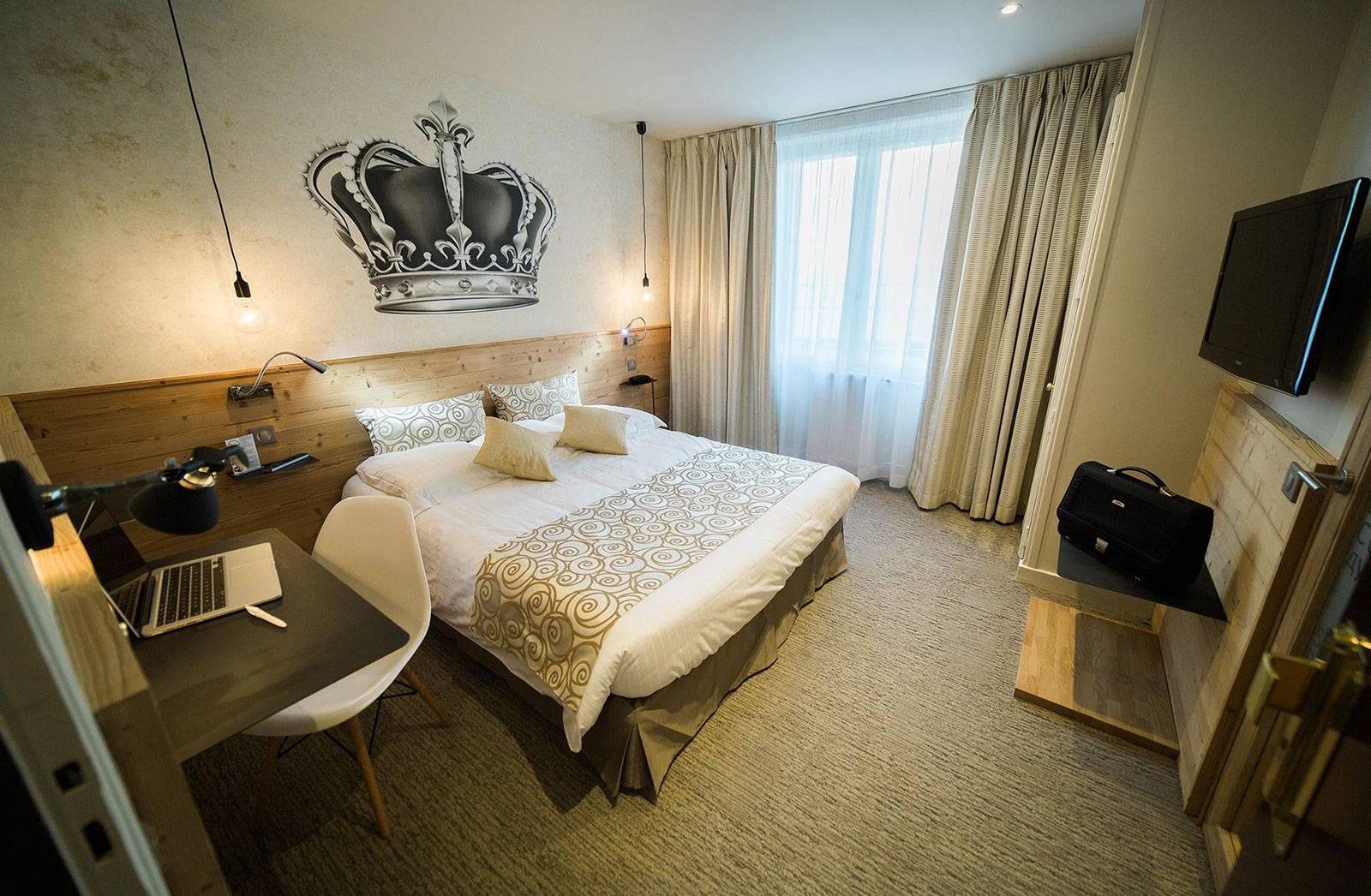 chambre h tel chamb ry centre chalet h tel des princes. Black Bedroom Furniture Sets. Home Design Ideas