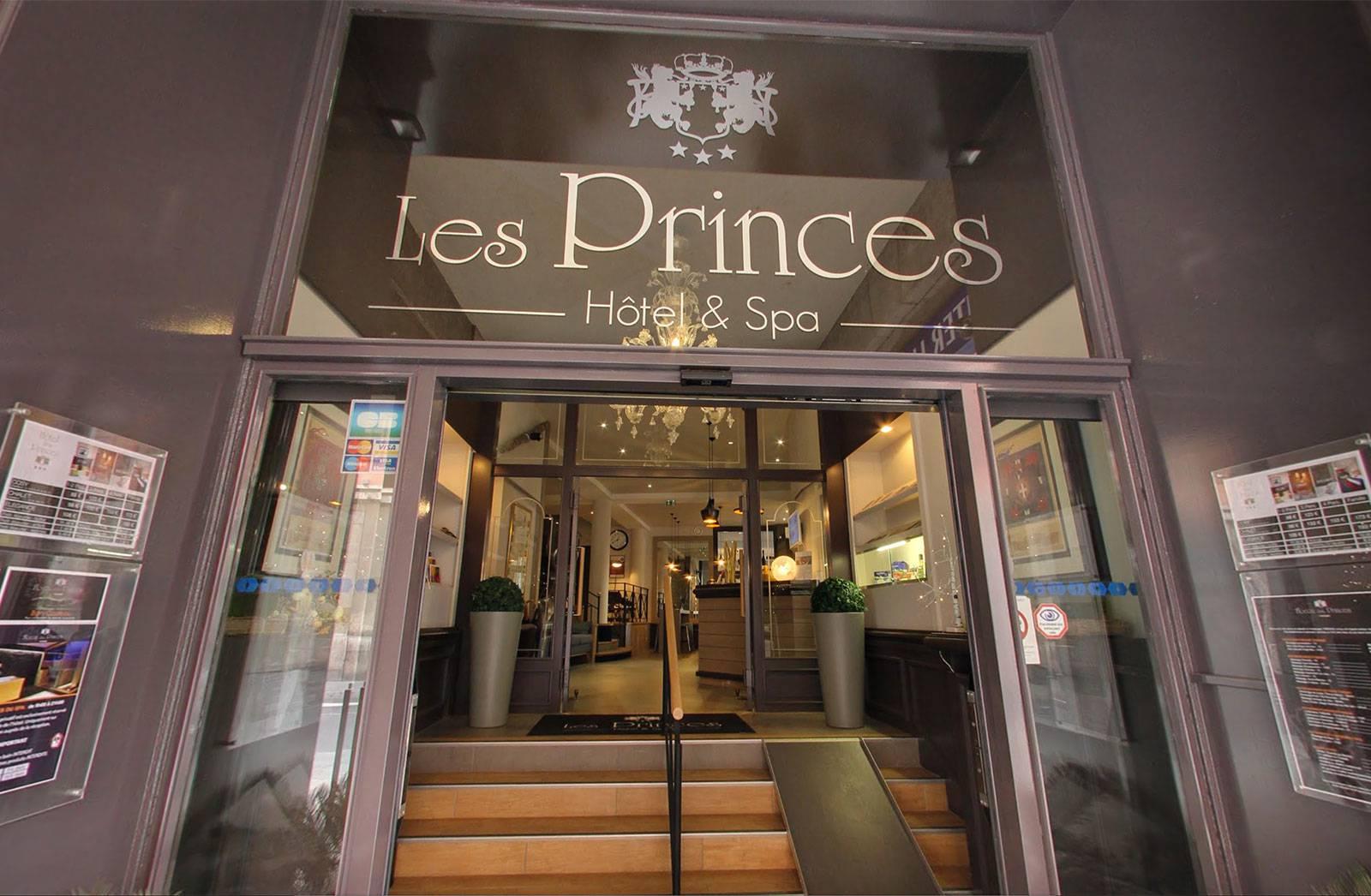 facade hotel des princes chambery
